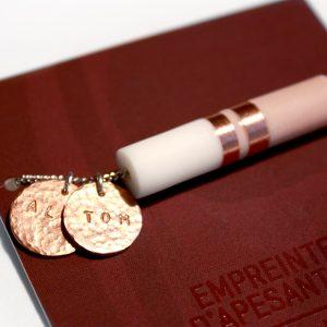 Cadeau bracelet personnalisé avec prenom grave